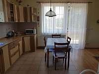 Kuchyň - chata k pronájmu Řitka