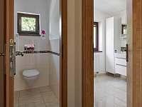 Koupelna/ toaleta - chata k pronajmutí Slapy - Lahoz