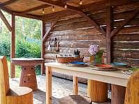 Letní kuchynĕ s grilem - chata k pronájmu Slapy - Lahoz