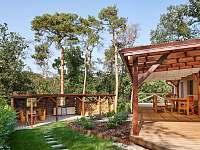 Terasa a letní kuchyně - chata k pronájmu Slapy - Lahoz