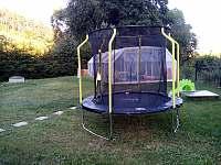 dětská trampolína - chata k pronajmutí Kostelní Střimelice