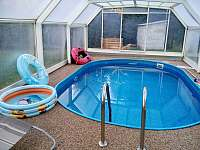 zastřešení bazénu - chata k pronajmutí Kostelní Střimelice