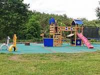 dětské hřiště - chata k pronájmu Roztoky - Višňová