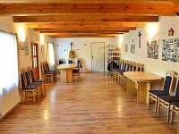 Velká místnost 3 - pronájem chalupy Chleby