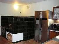 Americká lednice a vaření, pečení chleba a pizzy i spaní na peci - Drevníky