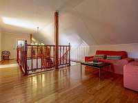 Foyer s prostory k posezení - rekreační dům k pronájmu Drevníky