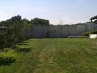 Hřiště na přehazovanou, ringo a badminton