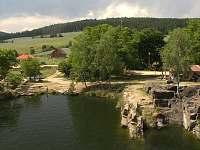 Lom v Hříměždicích na plavání a skoky do vody s venkovní restaurací