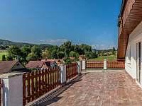 Výhled z terasy apartmánu - Drevníky