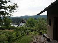 Chata Slapy - výhled z terasy - k pronájmu Nová Živohošť