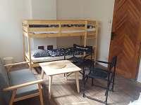 Ložnice č.3 manželská postel a palanda