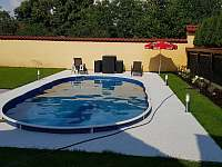 bazén se solárním ohřevem - chalupa ubytování Třebestovice