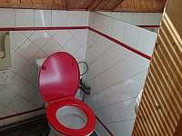 Toaleta v patře - Třebestovice