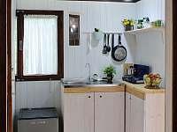 Kuchyňka - pronájem chaty Velké Popovice