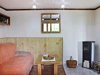Ložnice s krbem - chata k pronajmutí Velké Popovice
