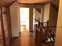 ložnice 1. patro - chalupa k pronajmutí Měňany