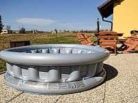 Dětský bazének - chalupa k pronájmu Prčice