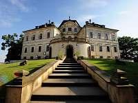 zámek Karlova Koruna - Chlumec nad Cidlinou (15min.)