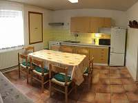 přízemí velká kuchyň