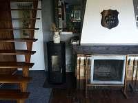 Obývací pokoj + krb