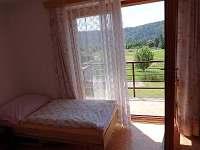 pohled z ložnice - pronájem rekreačního domu Sázava - Černé Budy