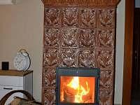 obývací pokoj (kachlové kamna)