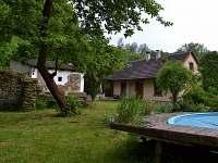 venkovní bazén - chata k pronájmu Hole