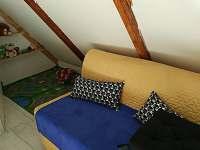 obývací pohovka s dětským koutkem