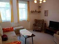 obývací pokoj - chalupa k pronajmutí Pavlíkov