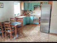 Kuchyň - chata k pronájmu Sázava