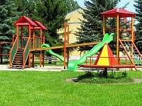 dětské hřiště - Opolany u Poděbrad