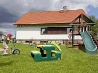 ubytování s bazéném ve Středních Čechách