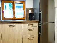 lednice s mrazákem - chata k pronajmutí Lipno - Hůrka