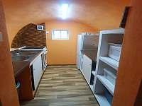 Kuchyň - sklípek - chalupa k pronajmutí Albrechtice u Sušice