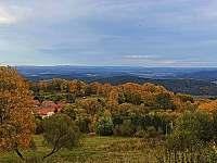 Podzim z okna chalupy - Albrechtice -