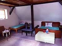 ložnice: podkroví - pronájem chalupy Nuzerov