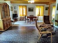 společenská místnost - celkový pohled - pronájem chalupy Nuzerov