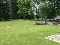 Zahrada - chalupa k pronajmutí Nové Hutě