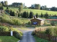 Pohled na lyžařský/tenisový areál Samoty-50m, ubytování K Samotám - pronájem apartmánu Železná Ruda