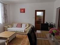 Obývací pokoj - apartmán k pronajmutí Nové Hutě