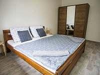 JEDNIČKA - ložnice - pronájem apartmánu Čachrov - Kunkovice
