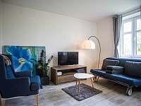 JEDNIČKA - obývací pokoj - apartmán k pronajmutí Čachrov - Kunkovice