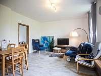 JEDNIČKA - obývací pokoj - apartmán k pronájmu Čachrov - Kunkovice