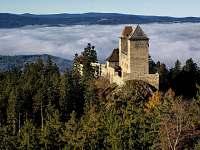 Tip na vylet:hrad Kašperk-zde se natačela pohadka Anděl Páně  J.Strasek - chata k pronájmu Hnačov