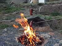 opečte si vuřty a večeře je hotova - Podmokly u Sušice