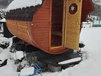 Venkovní sudová suchá sauna jen pro Vás a válení ve sněhu - Podmokly u Sušice