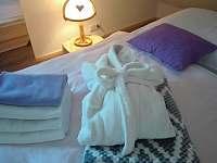 župany, osušky, ručníky, hajánky, lampičky ... - Podmokly u Sušice