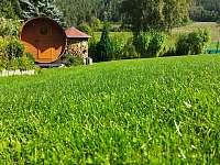 Procházejte se i v říjnu na naší zahradě bosky ... - chata k pronájmu Podmokly u Sušice