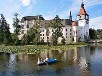zámek Blatná - i loďkou kolem zámku