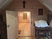 Výhled z horní ložnice do podkroví - Úbislav V Dílech